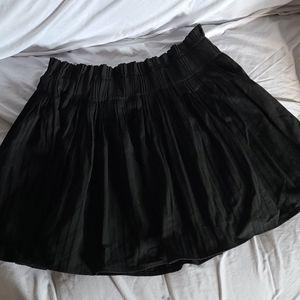 Zara Large pleated black skirt